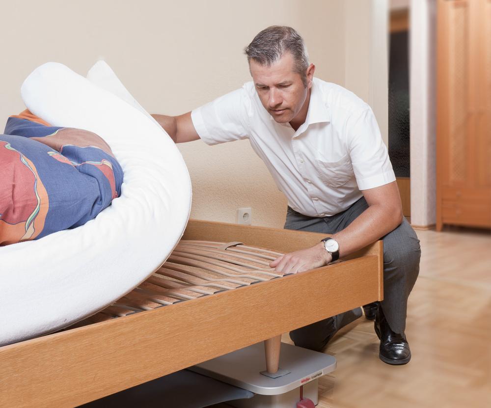 Kay Heintzen beim Bettencheck