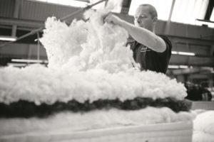 Vispring-Betten werden in Handarbeit hergestellt